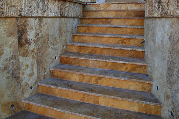 Escaleras exteriores marfesa for Escalera exterior de piedra