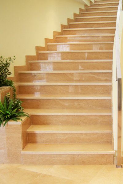 Escaleras marfesa marmoles fern ndez s a co n m laga for Colores de marmol para escaleras